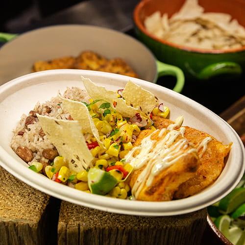 Tilapia sriracha et lime avec riz épicé à la cardamome