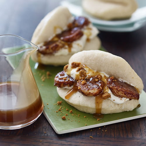 Banoffee Pie Bao with Caramel Sauce