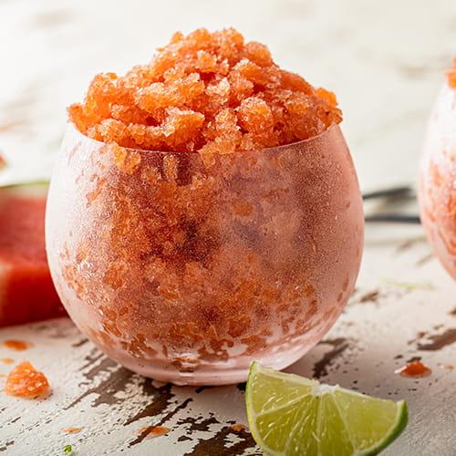 Granité de melon d'eau et de rosé au chili