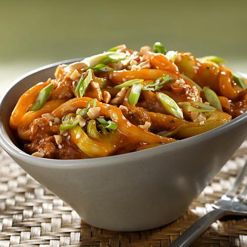 Spicy Dan Dan Stir-fried Noodles with Chicken