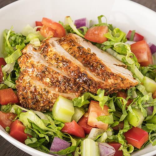 Salade jardinière au poulet cajun