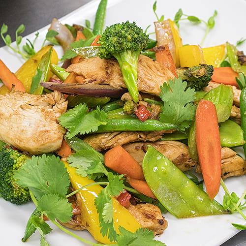 Poulet laqué à la thaïlandaise au piment et à la coriandre