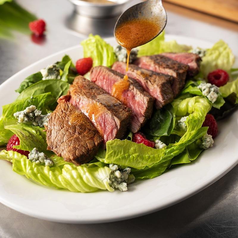 Salade de surlonge, vinaigrette de paprika fumé