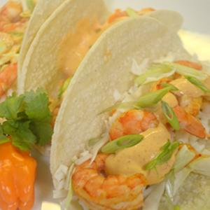 Tacos aux crevettes habanero et mangue