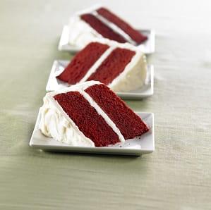 Gateau rouge velours glace au fromage a la creme vanille