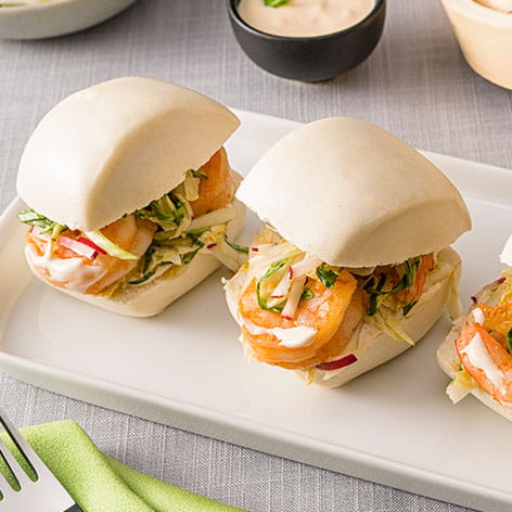 Steamed Soft Buns With Sweet Chili and Thai Shrimps