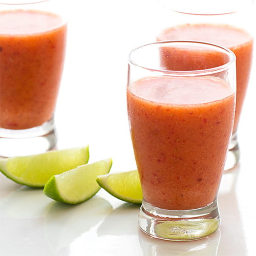 Margarita aux fraises et à la mangue