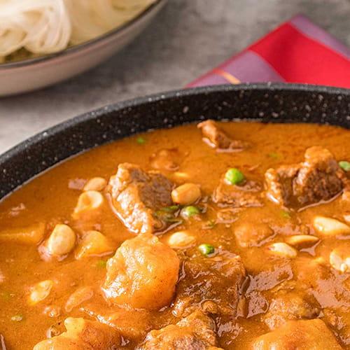 Bœuf à la thaïe, pommes de terre et cari aux arachides