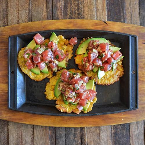 Salade de thon sur tostones