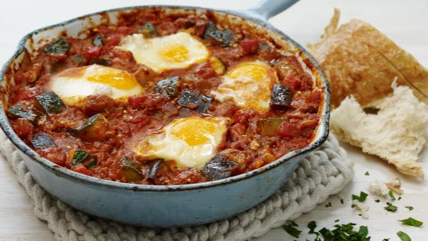 https://d1e3z2jco40k3v.cloudfront.net/-/media/flavourforecasts/2017/2000/mediterranean_vegetable_shakshuka.jpg?vd=20161221T142417Z&hash=98392BB1C203F765F381B8931BEF1BEA