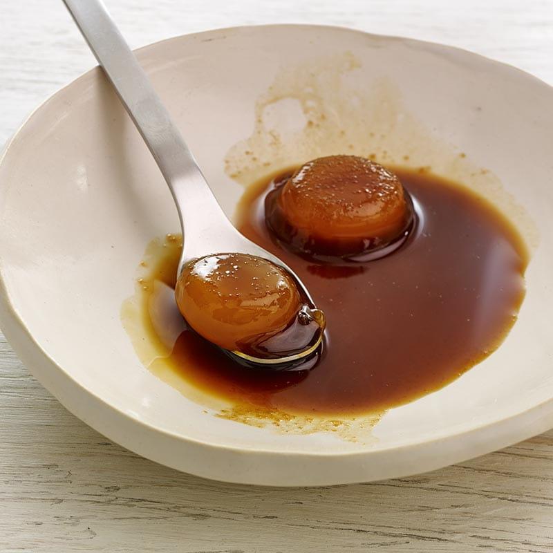 Jaunes d'œuf confits au gingembre et au soja