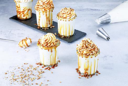https://d1e3z2jco40k3v.cloudfront.net/-/media/foodservicefr/recettes/desserts/comme-un-sundae-mousse-cheesecake-sweeties-caramel.jpg?rev=-1&vd=00010101T000000Z&hash=5C149F6A3056CD3300176A26C8C7EA0A