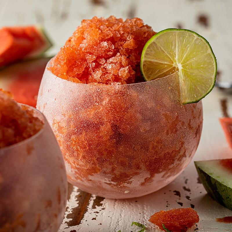 https://d1e3z2jco40k3v.cloudfront.net/-/media/foodservicefr/recettes/ff-q3-recipes/watermelon_chamoy_rose_granita_800x800.jpg?vd=20200611T221948Z&hash=A76C40B4DFC6C9AE84B10604B2CC8781