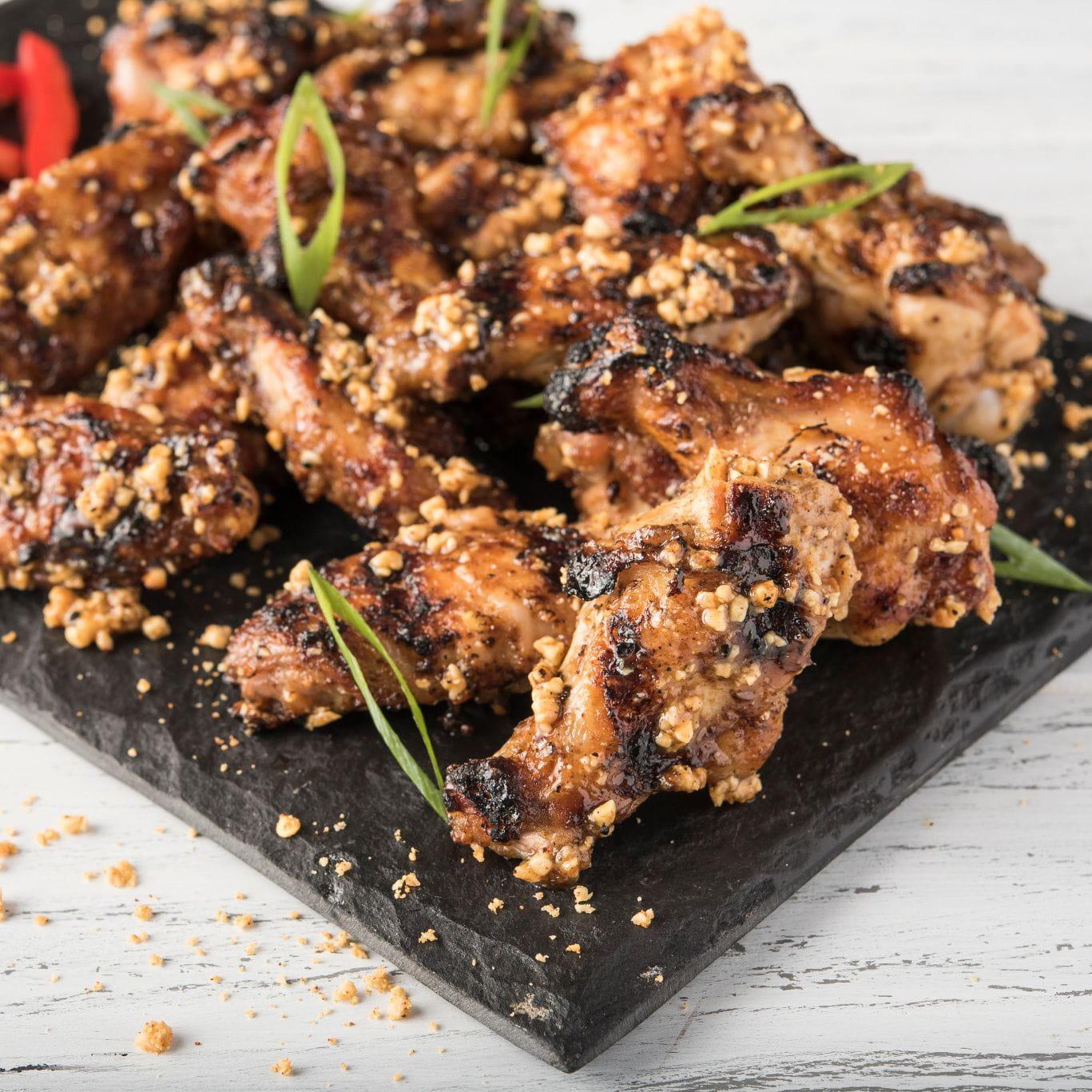 Ailes de poulet grillées aux épices Suya