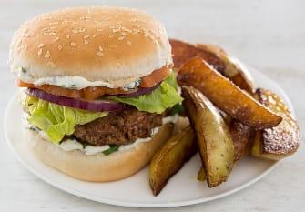 https://d1e3z2jco40k3v.cloudfront.net/-/media/foodservicefr/recettes/sandwichs-et-burger/burgerkebab.jpg?rev=09e41f034dab4f6a8f52c7f74287185e&vd=20200611T222148Z&hash=AB115D37A50CC2A5E0E8616495EC6C4F