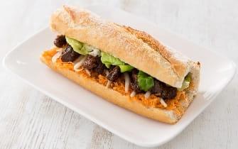 Sandwich de bœuf mariné à la Thaï