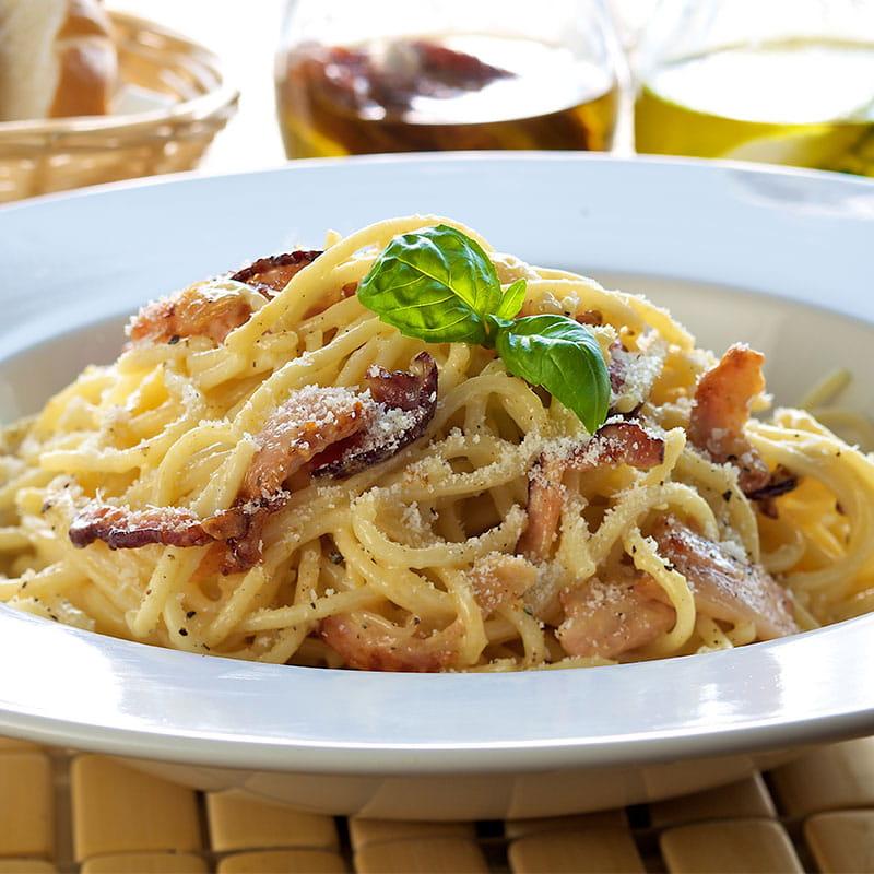 Paste italiene carbonara cu usturoi
