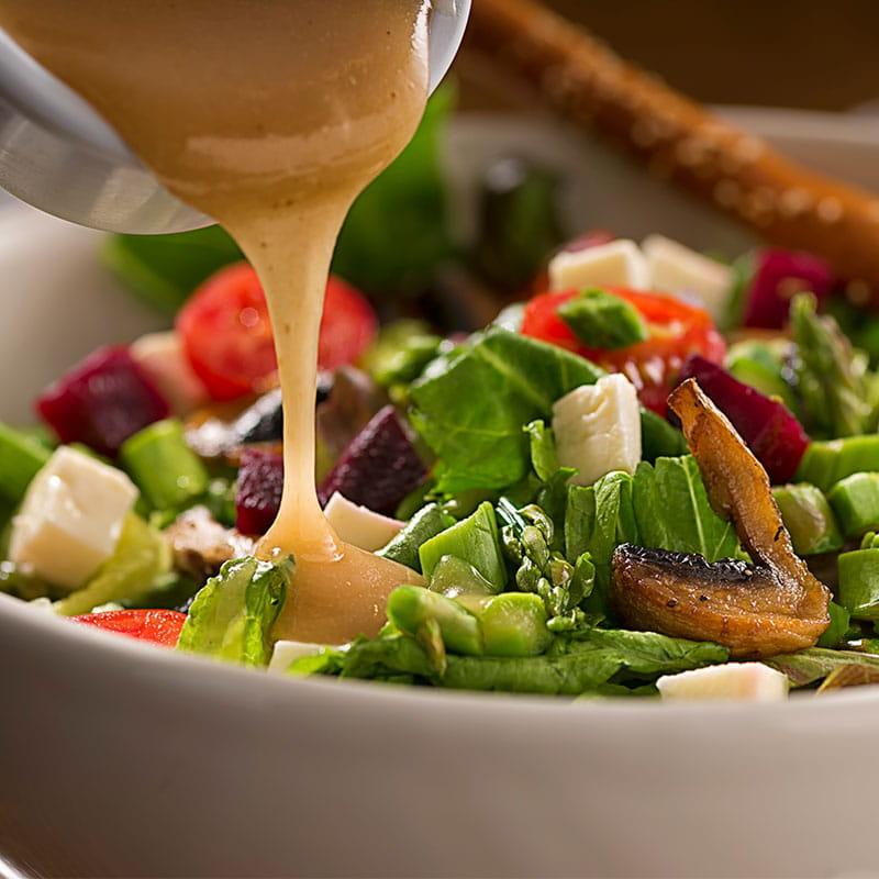 Salată vinegrette cu sos de muștar