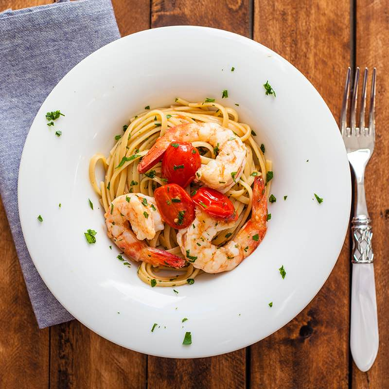 spaghete_cu_fructe_de_mare_si_rosii_800