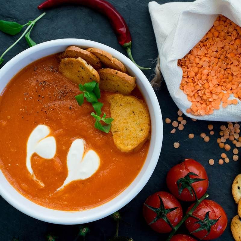 Supă de roșii și linte