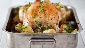 Kurczak pieczony w sosie pietruszkowo-tymiankowym