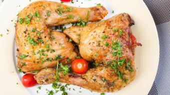 Kurczak po prowansalsku z papryką i oliwkami