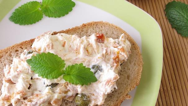 Masło paprykowe z makrelą - przepis Kamis