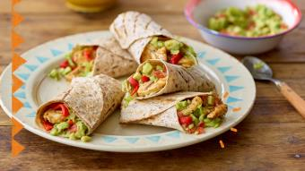 Meksykański wrap z kurczakiem i guacamole (video)