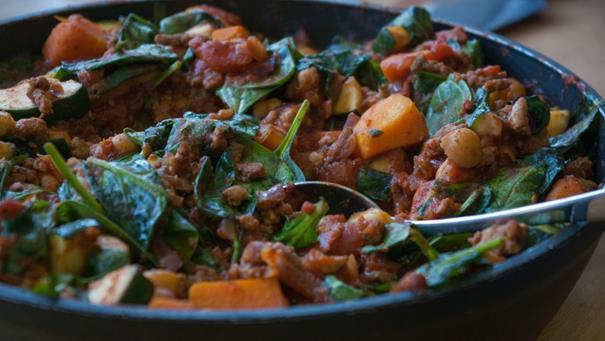 Mięso mielone z dynią i fasolą (lub ciecierzycą) - przepis Kamis
