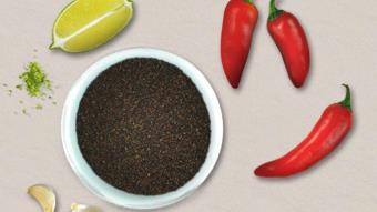 Mieszanka nasion chia z owocami cytrusowymi, chili i czosnkiem