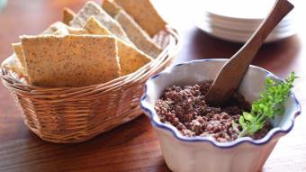Pasta oliwkowo-kaparowa