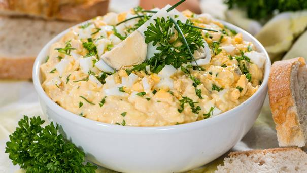 Pasta z jaj z chrzanem - przepis Kamis