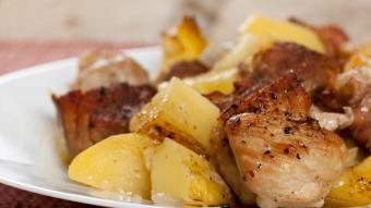 Polędwiczki pieczone w ziemniakach