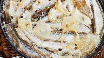 Ryba zapiekana w mleczno-jajecznym sosie