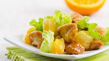 Sałatka drobiowa z owocami