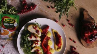 Sałatka z piersią indyka w jogurcie i kurkumie