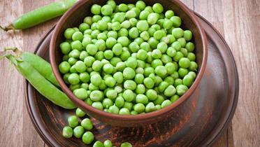 Sałatka z zielonego groszku i pieczarek