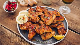 Słodko-kwaśne skrzydełka kurczaka w Rendang curry
