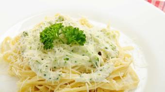 Spaghetti z sosem serowym