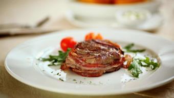 Steaki z szynką