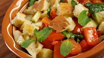Toskańska sałatka z pomidorów