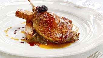 Udka kaczki z przyprawami prowansalskimi i czerwonym winem