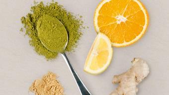 Zielona herbata matcha z dodatkiem mieszanki imbirowo-cytrynowej