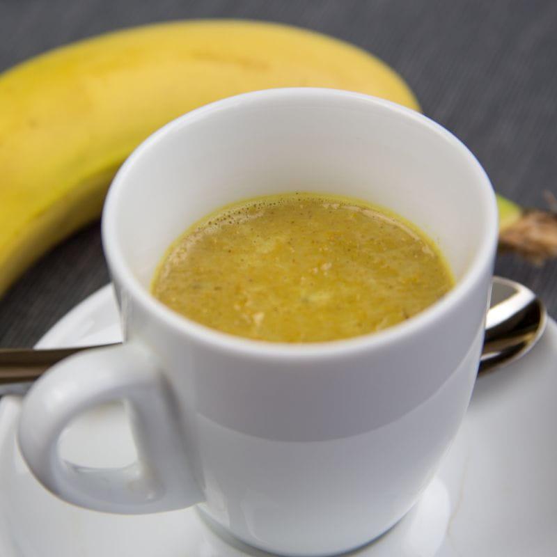 Bananowe latte z kurkumą
