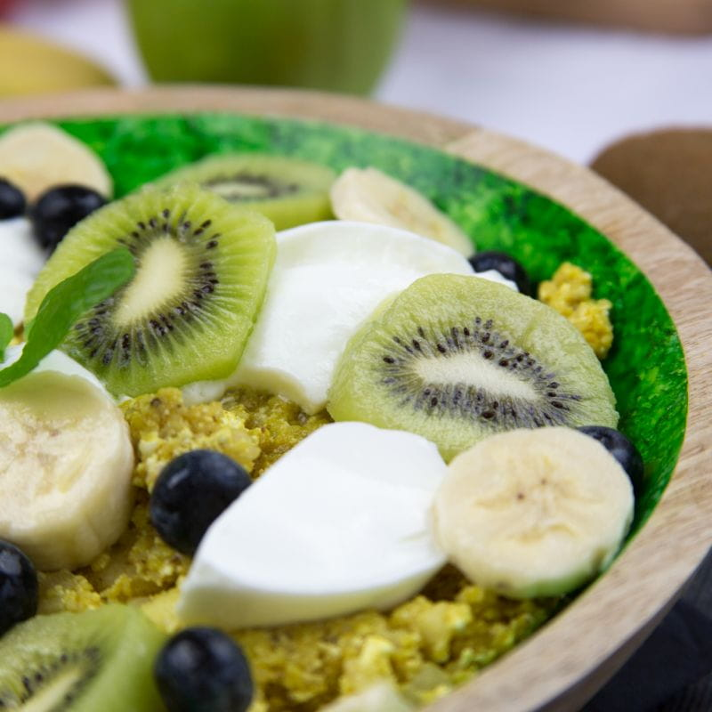 Kuskus z twarogiem i owocami