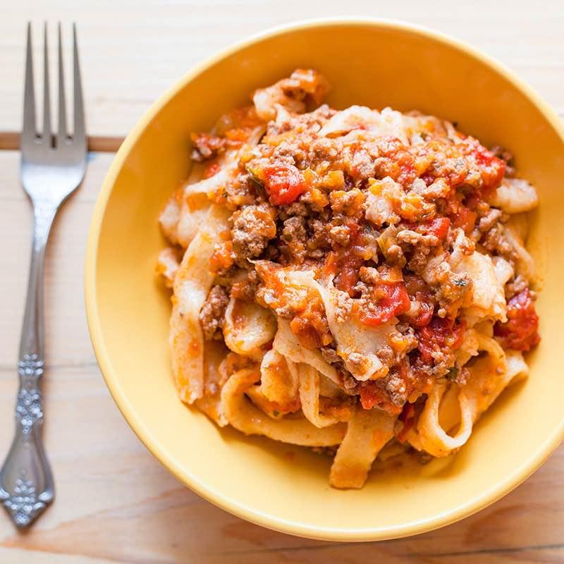 Spaghetti Bolognese z suszonymi pomidorami