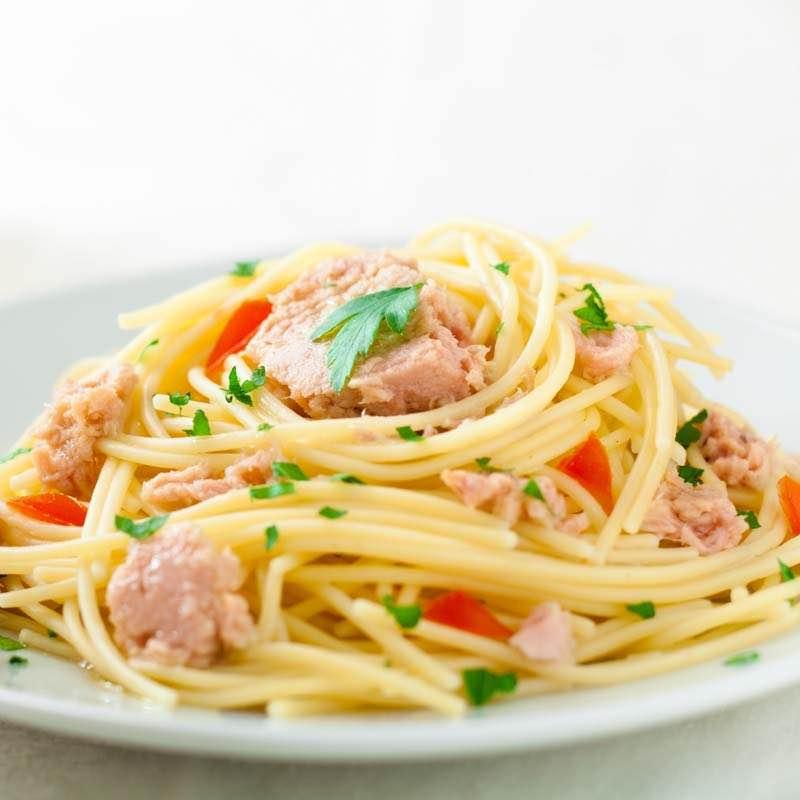 Spaghetti z tuńczykiem i anchois