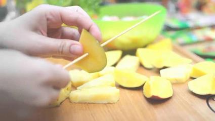 Aromatyczne szaszłyki z krewetkami i mango