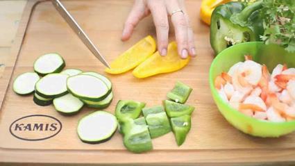 Grillowane szaszłyki z krewetkami i warzywami