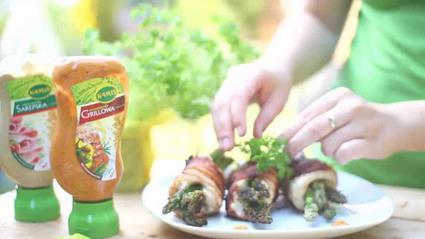 Grillowane szparagi otulone kurczakiem i chrupiącym boczkiem